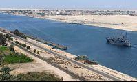 Президент Египта ввел в эксплуатацию 5 новых тоннелей через Суэцкий канал