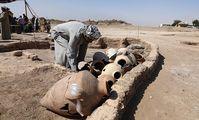 Ожерелья и сушеная рыба: тайны затерянного города в Луксоре (Al Youm As Sabi, Египет)