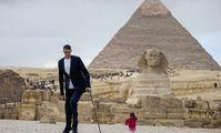 В Египте встретились самый высокий мужчина и самая маленькая женщина в мире