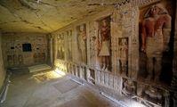 Археологи в Египте нашли уникальную гробницу, возраст которой более 4400 лет (фото, видео)