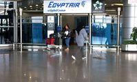Аэропорт Каира стал напоминать неприступную крепость