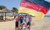 Немцы оккупируют египетские пляжи