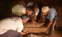 На юге Египта раскопали крупнейший саркофаг фараонов