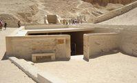 """Египет надеется разрешить """"загадку гробницы Нефертити"""" до конца года"""