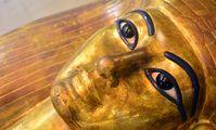 Мумии египетских фараонов перевезли в новый музей
