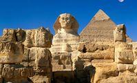 Древнеегипетский Сфинкс на плато Гиза под Каиром закрылся на реставрацию