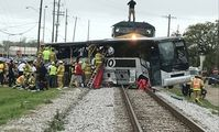 В Египте при столкновении товарного поезда с автобусом погибли четыре человека
